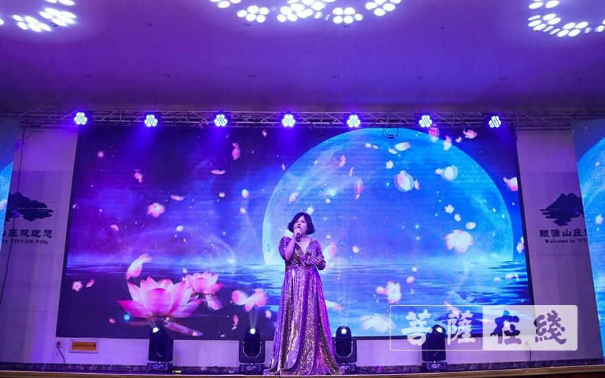 歌曲《我的莲花》(图片来源:菩萨在线 摄影:唐雪凤)