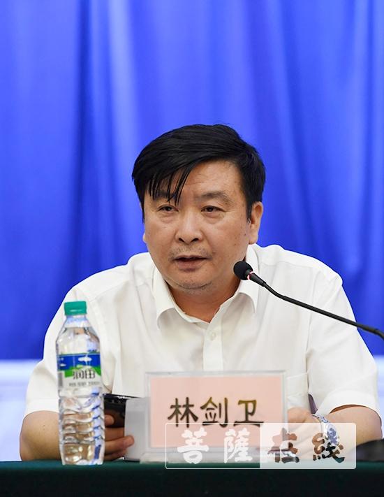 江西省民族宗教事务局一处处长林剑卫肯定了江西佛教界近年来取得的成绩(图片来源:菩萨在线 摄影:张妙)