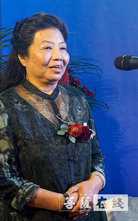 陈秀卿副主席对来到此次展览的中日朋友表达衷心感谢(图片来源:菩萨在线 摄影:卢鹏宇)