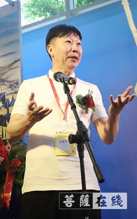 江曙耀副部长出席作品展(图片来源:菩萨在线 摄影:李金洋)