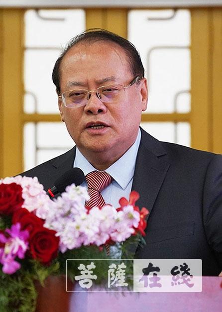 杨叔禹发表主题讲话(图片来源:菩萨在线 摄影:唐林雪)