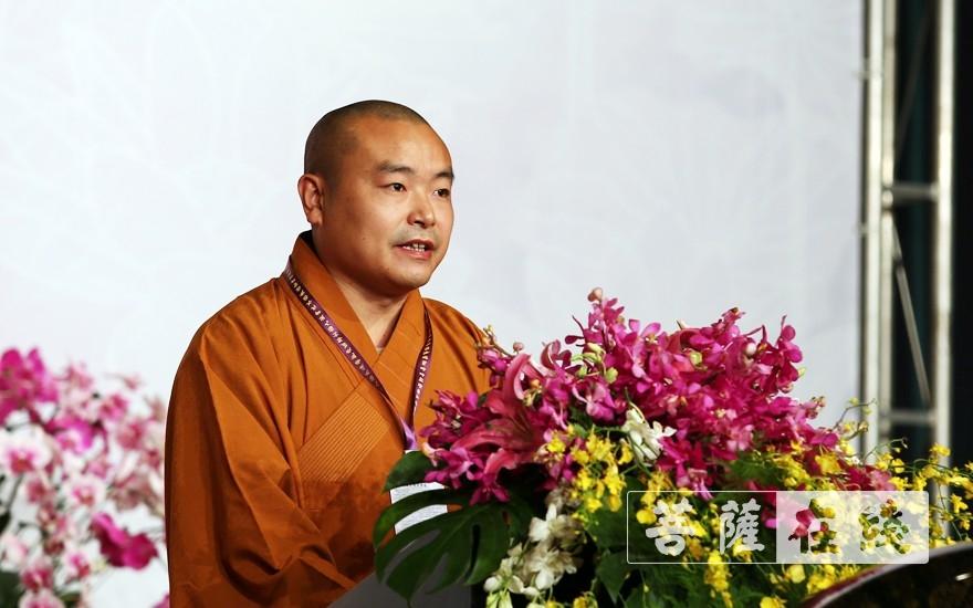 宽静大和尚代表澳门佛教界致辞(图片来源:菩萨在线 摄影:李蕴雨)