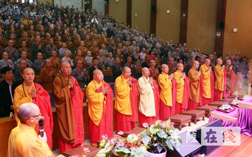 祈福法会(图片来源:菩萨在线 摄影:李蕴雨)