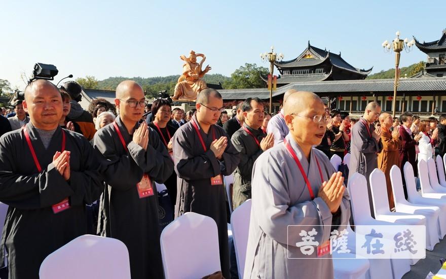 如瑞法師參加祈福法會(圖片來源:菩薩在線 攝影:李蘊雨)