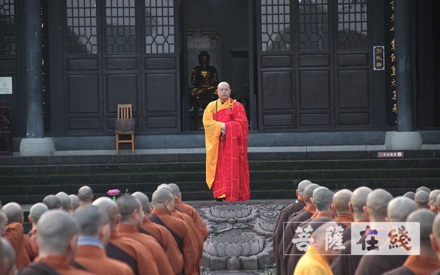 普正大和尚巡寮(图片来源:菩萨在线 摄影:王颖)