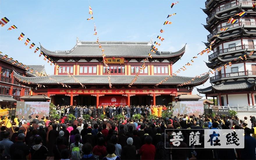 共同成就此事盛会(图片来源:菩萨在线 摄影:李蕴雨)