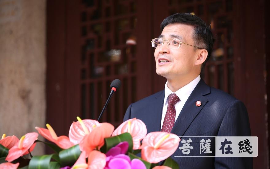 长沙市政协副主席彭继球讲话(图片来源:菩萨在线 摄影:张妙)
