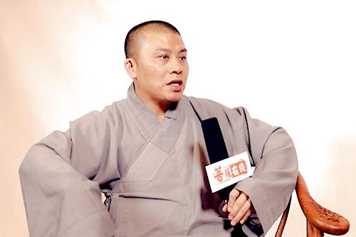 珠海普陀寺短期出家班现场采访悟和法师