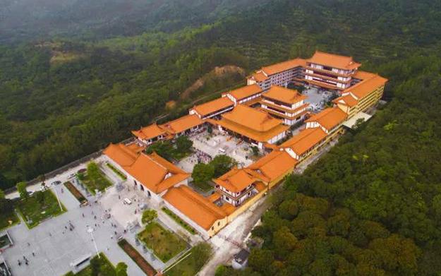 珠海普陀寺:继承丛林传统 创新管理模式