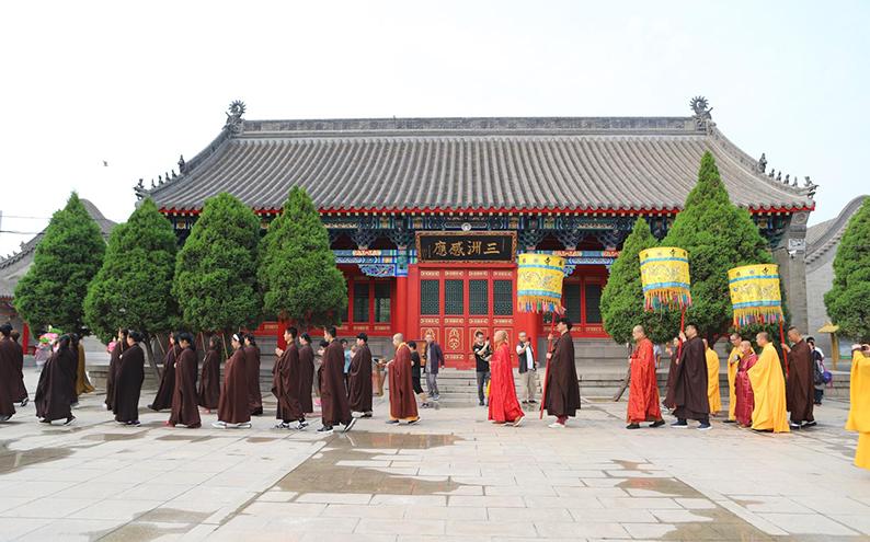 百歲高僧圓山長老于楞嚴禪寺傳授在家菩薩戒