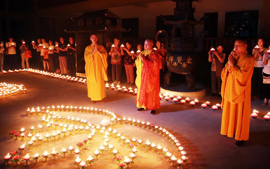 【高清图集】南京宏觉寺念佛堂三周年万盏莲花传灯祈福法会圆满