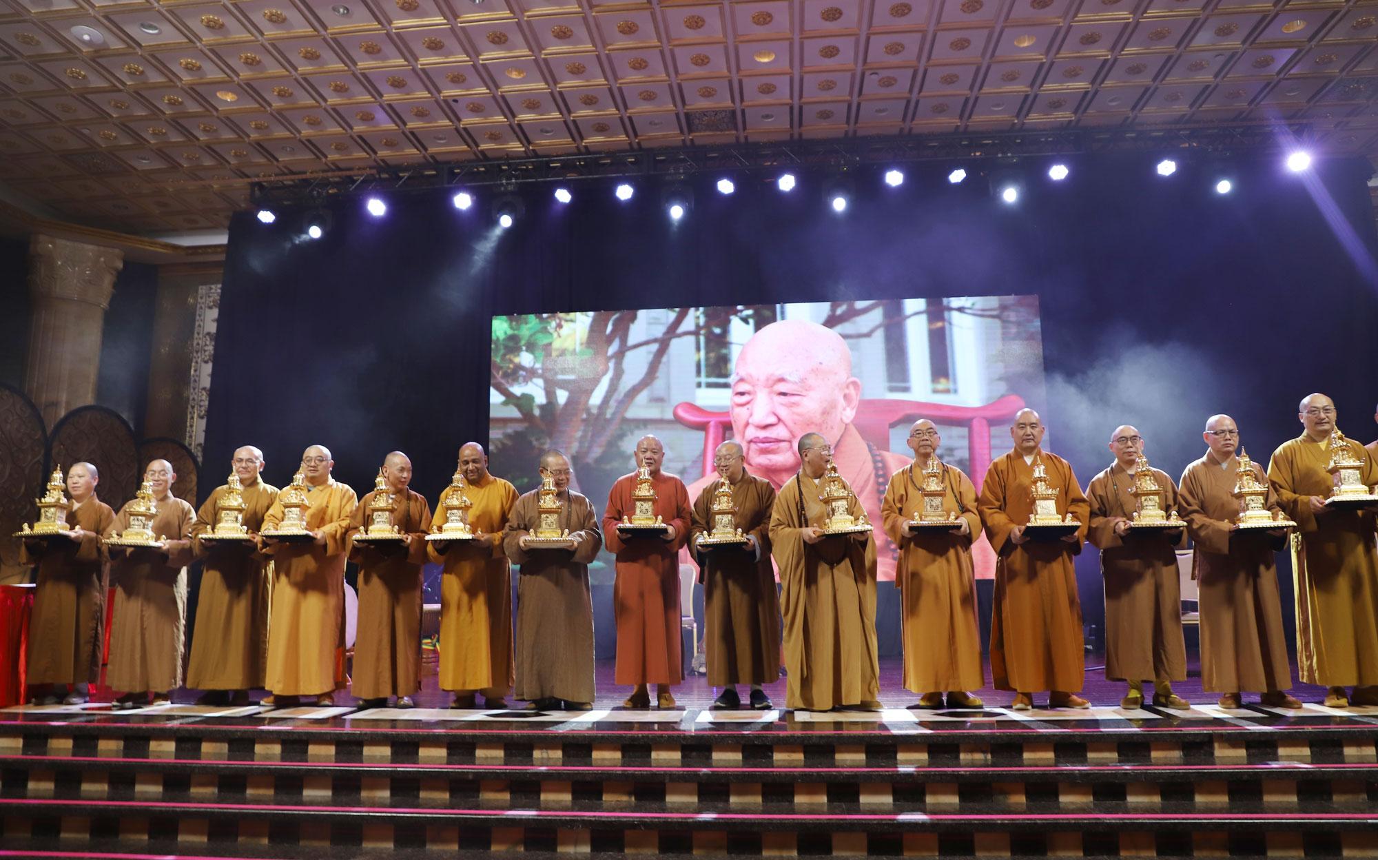 加國五臺山大雄寶殿落成佛像開光大典歡迎晚宴在加拿大舉行