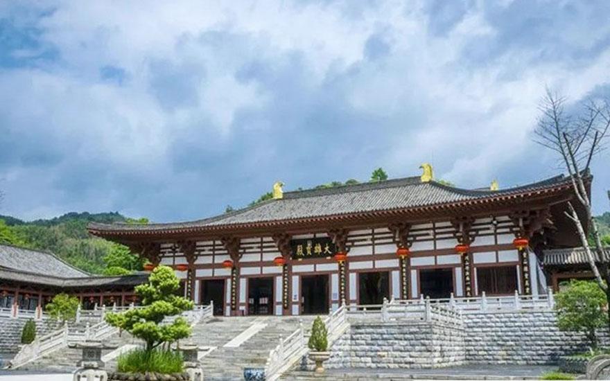 曹洞钟板——中国首个佛门女众修持生活纪实