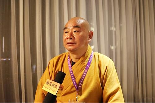 能修法师:天坛大佛的铸像寓意香港回归